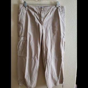 Ann Taylor LOFT Cargo Capri Crop Pants Size 12